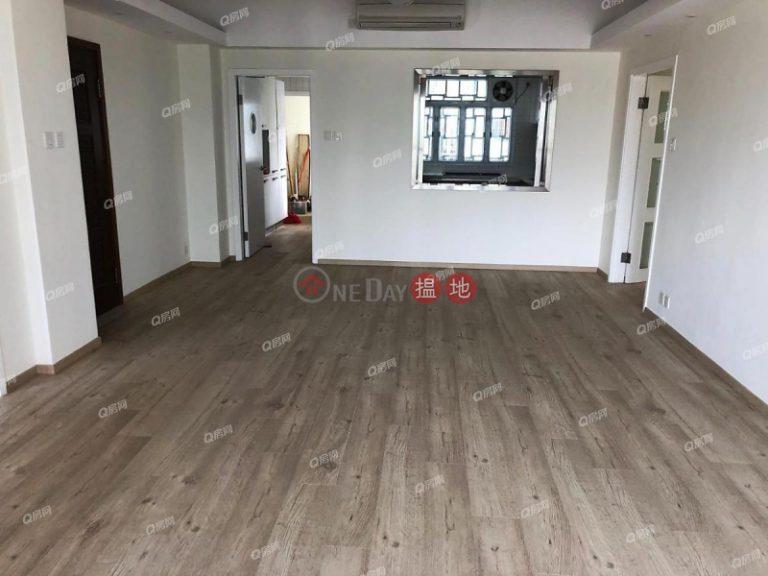 Monticello | 3 bedroom Mid Floor Flat for Rent