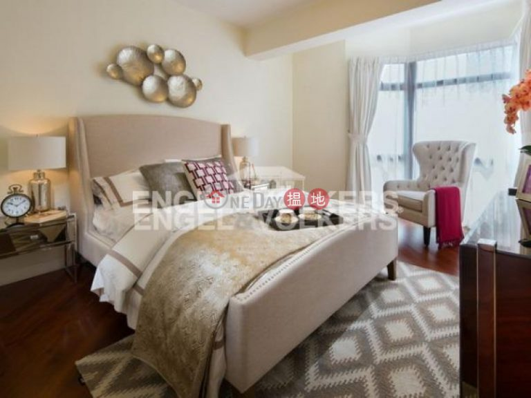 3 Bedroom Family Flat for Rent in Mid-Levels East