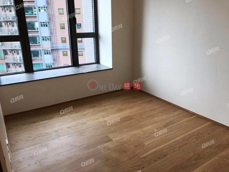 Alassio | 2 bedroom Mid Floor Flat for Sale