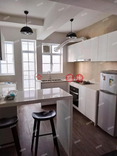 Mountain View Court | 2 bedroom Low Floor Flat for Sale