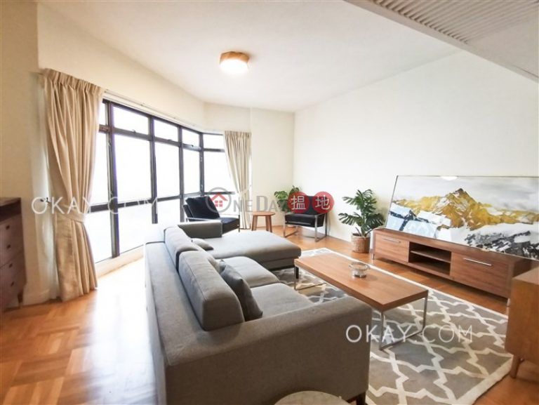 Stylish penthouse with racecourse views, terrace | Rental