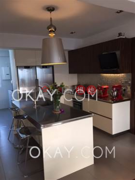 Exquisite 5 bed on high floor with balcony & parking | For Sale