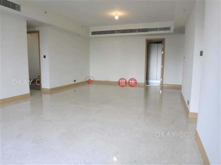 Luxurious 4 bedroom with balcony & parking | Rental
