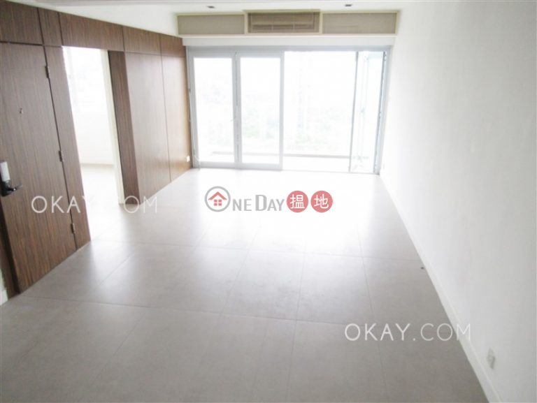 Popular 3 bedroom on high floor with balcony & parking | For Sale