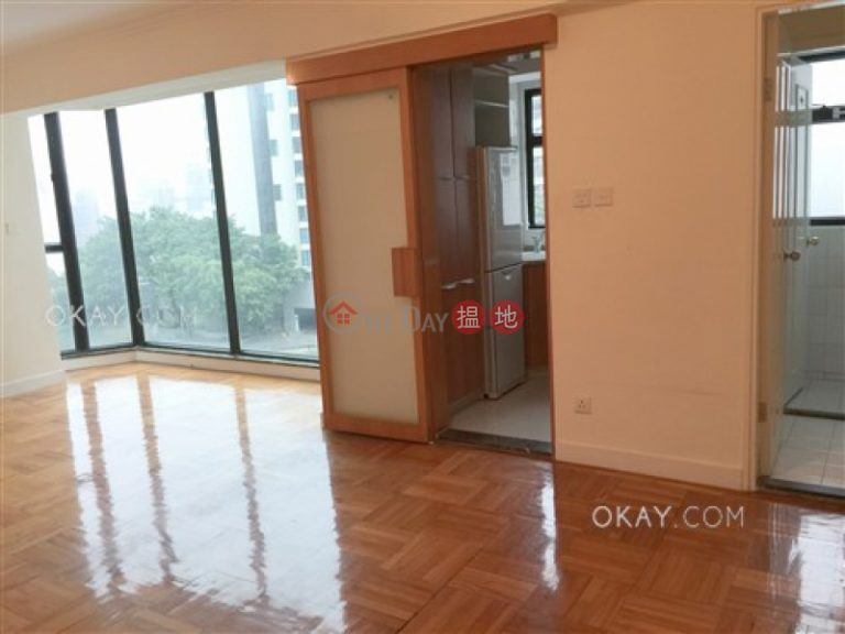 Elegant 3 bedroom on high floor with parking | Rental