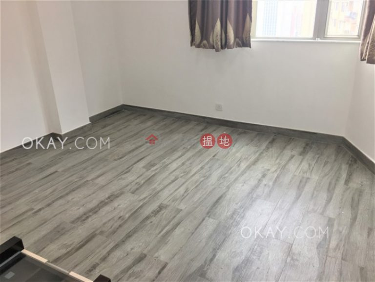 Luxurious 3 bed on high floor with balcony & parking | Rental