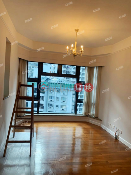 Palatial Crest | 3 bedroom Mid Floor Flat for Rent