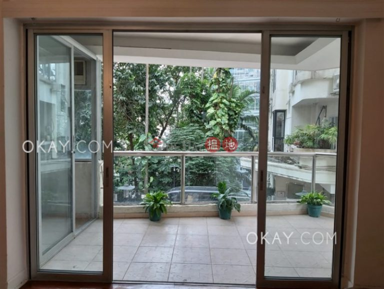 Exquisite 4 bedroom with terrace & parking | Rental