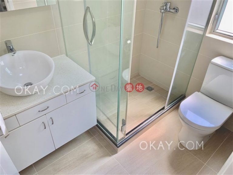 Efficient 2 bed on high floor with sea views & balcony | Rental