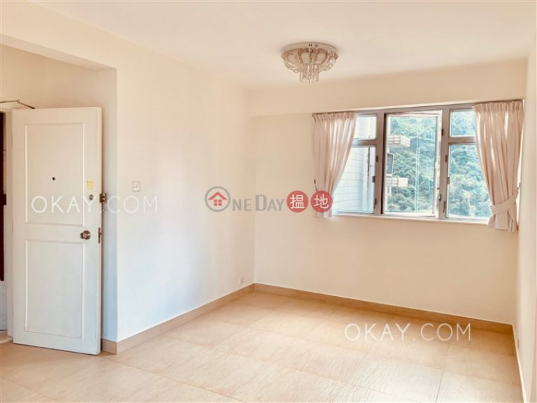 Tasteful 3 bed on high floor with harbour views | Rental