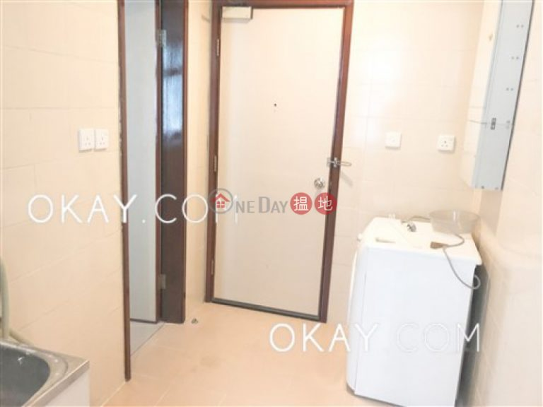 Luxurious 3 bedroom with parking   Rental