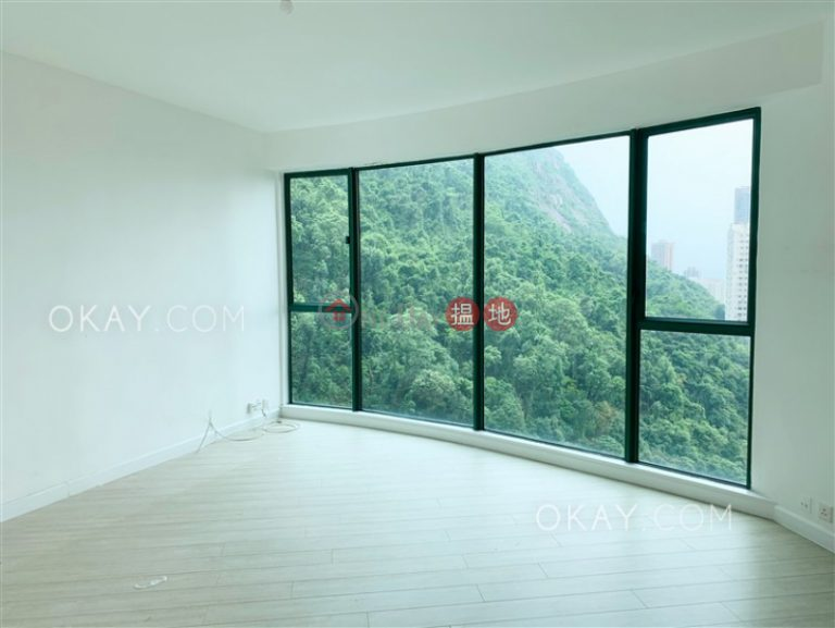 Elegant 3 bedroom with parking | Rental