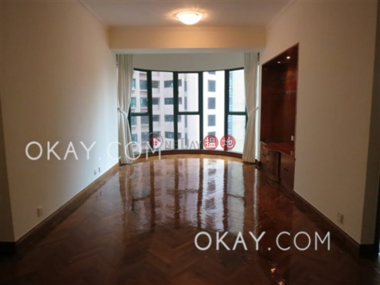 Tasteful 2 bedroom with parking | Rental