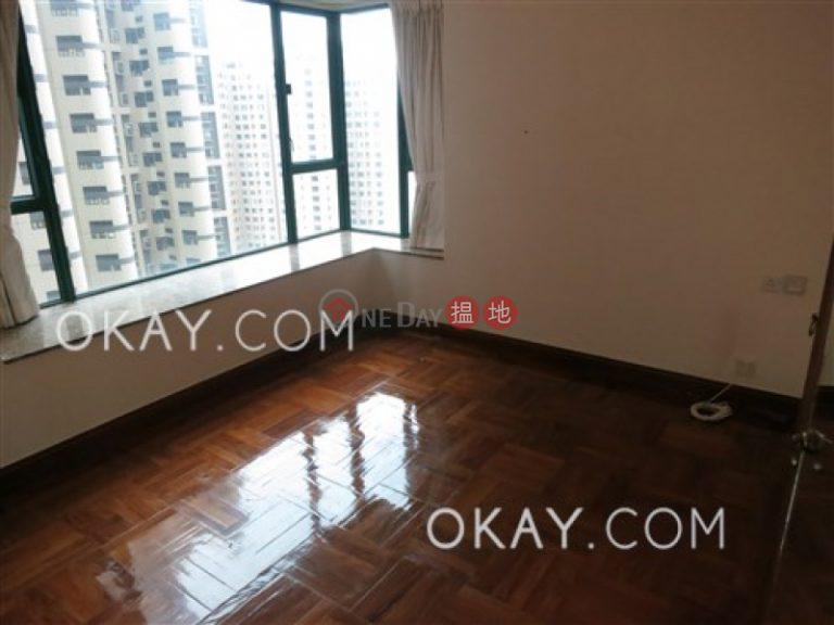 Tasteful 2 bedroom with parking | Rental