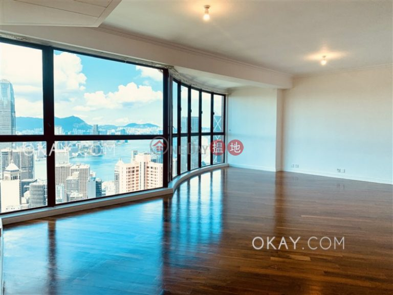 Beautiful 3 bedroom on high floor with parking | Rental