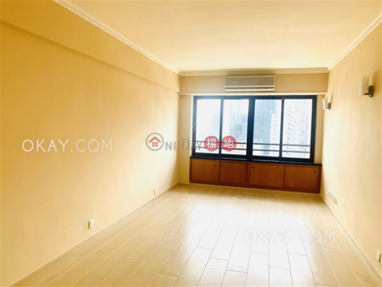 Efficient 3 bedroom with parking | For Sale
