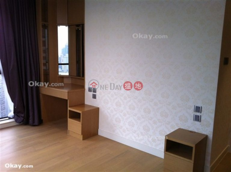 Exquisite 2 bedroom on high floor with parking | Rental