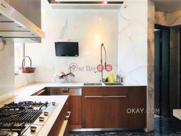 Luxurious 3 bedroom with balcony   Rental