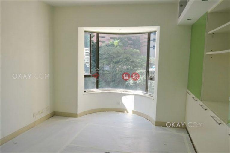 Efficient 4 bedroom with balcony & parking   Rental