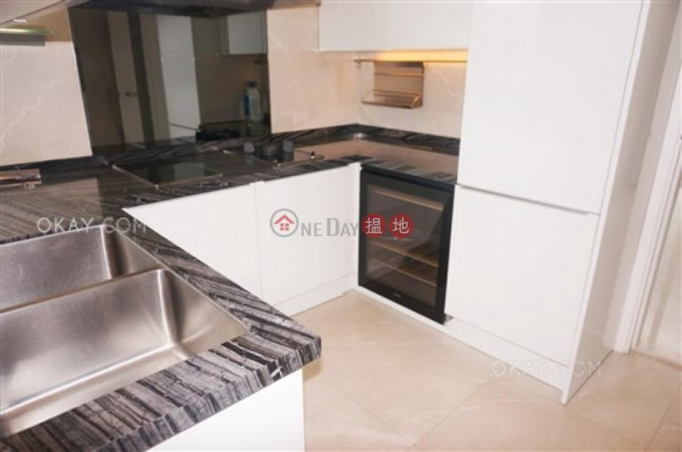 Stylish 3 bedroom on high floor with balcony | Rental