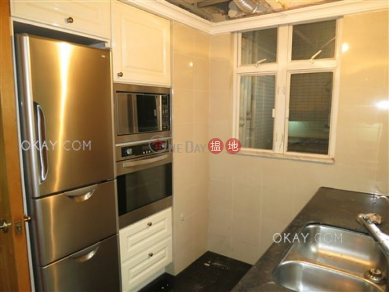 Lovely 3 bedroom in Mid-levels Central | For Sale