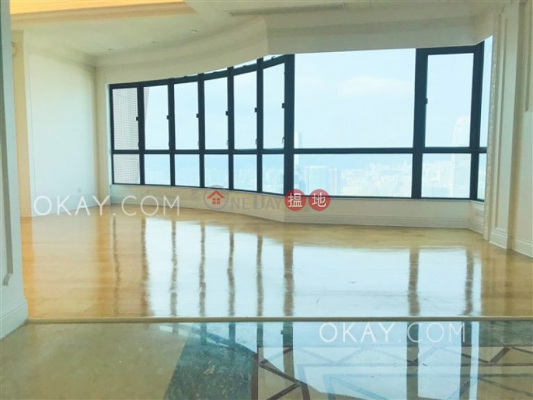 Stylish 4 bed on high floor with sea views & terrace | Rental