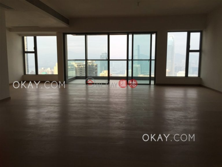 Rare 3 bedroom on high floor with balcony & parking | Rental