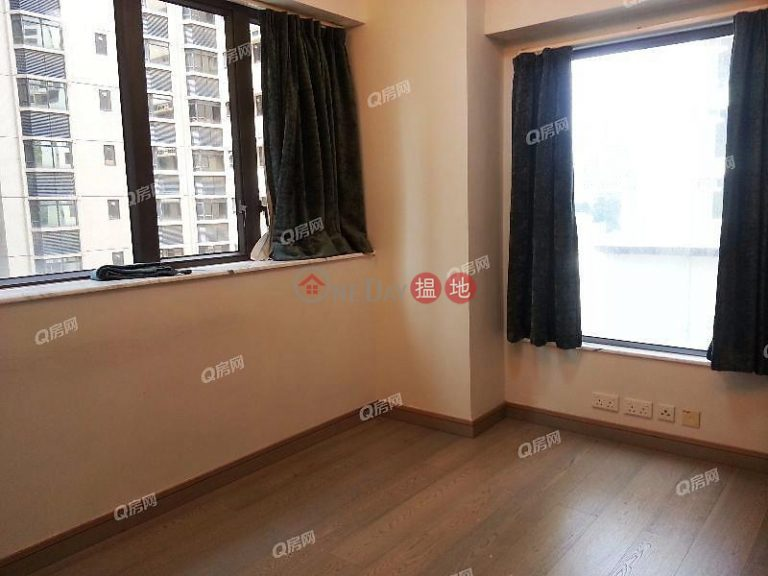 Park Rise | 2 bedroom Mid Floor Flat for Sale