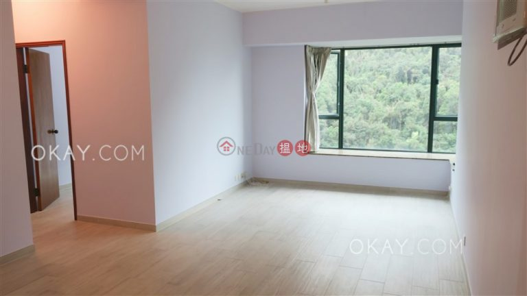 Lovely 2 bedroom with parking | Rental