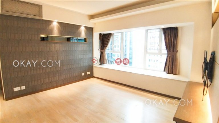 Gorgeous 3 bedroom with parking   Rental