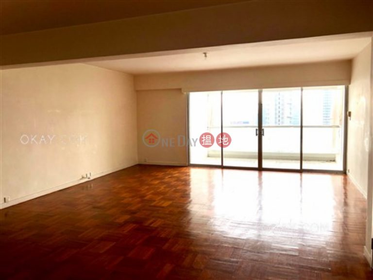 Efficient 4 bedroom with balcony & parking | Rental