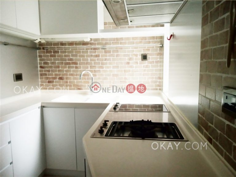 Efficient 3 bedroom on high floor with parking | Rental