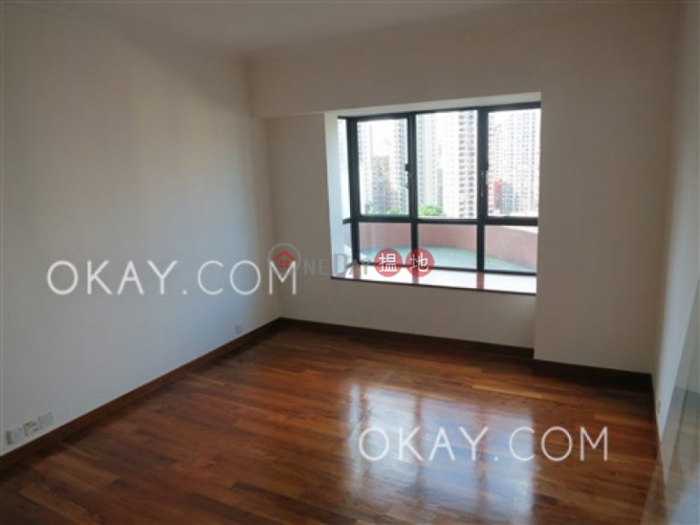 Lovely 4 bedroom with balcony & parking | Rental