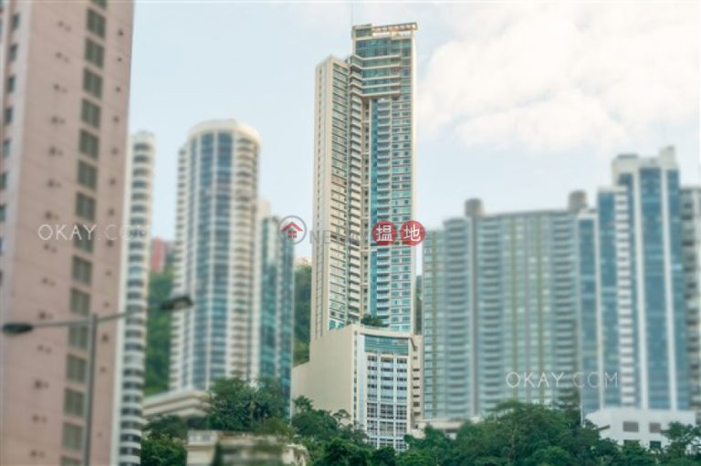 Stylish 3 bedroom on high floor with balcony & parking | Rental