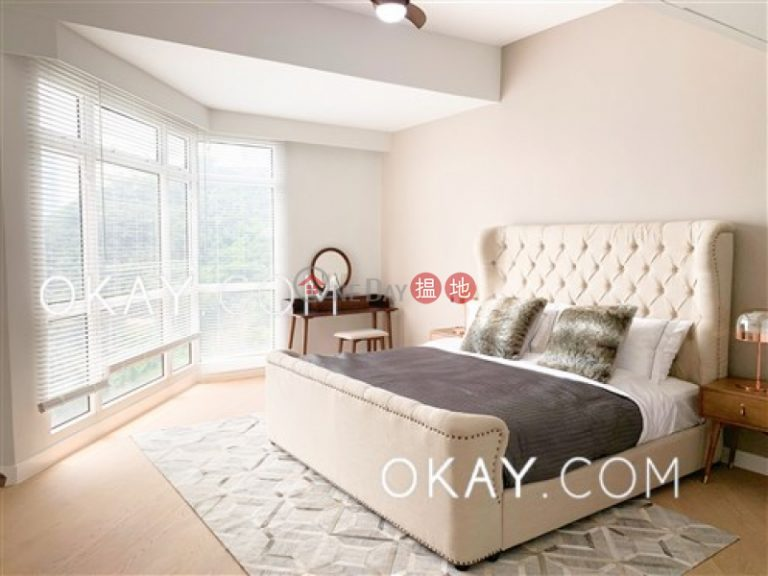 Unique penthouse with rooftop & parking | Rental