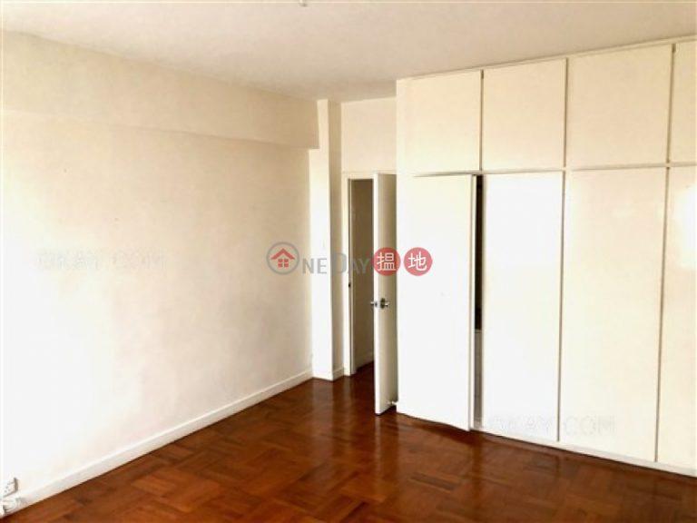Efficient 4 bedroom with balcony & parking | Rental
