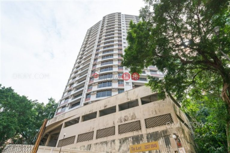 Unique 3 bedroom on high floor with balcony & parking | Rental