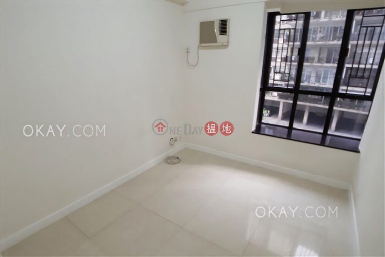 Tasteful 3 bedroom with parking | Rental