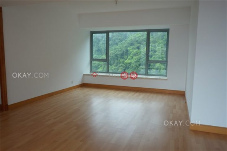 Exquisite 3 bedroom with sea views, balcony | Rental