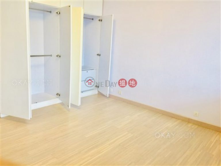 Exquisite 3 bedroom with balcony | For Sale