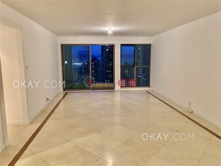 Efficient 3 bed on high floor with balcony & parking | Rental