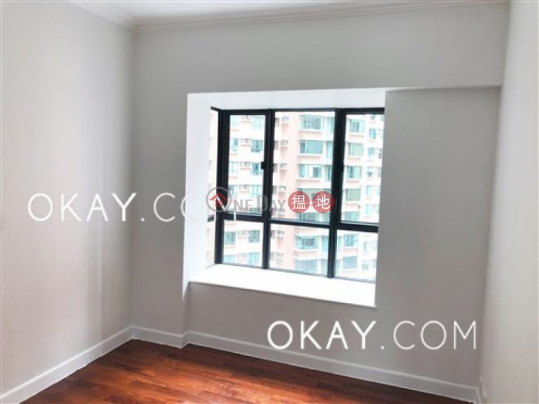 Luxurious 3 bedroom with parking | Rental