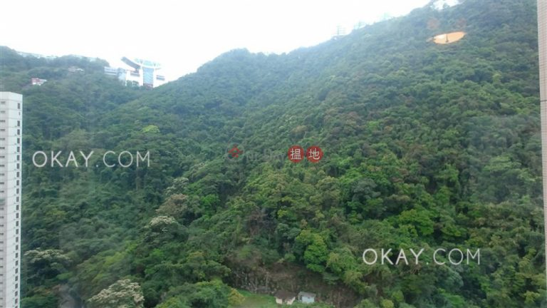 Luxurious 2 bedroom on high floor with parking | For Sale